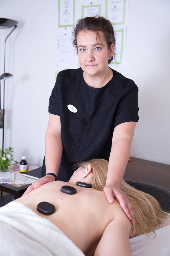 Hot stone kropsmassage